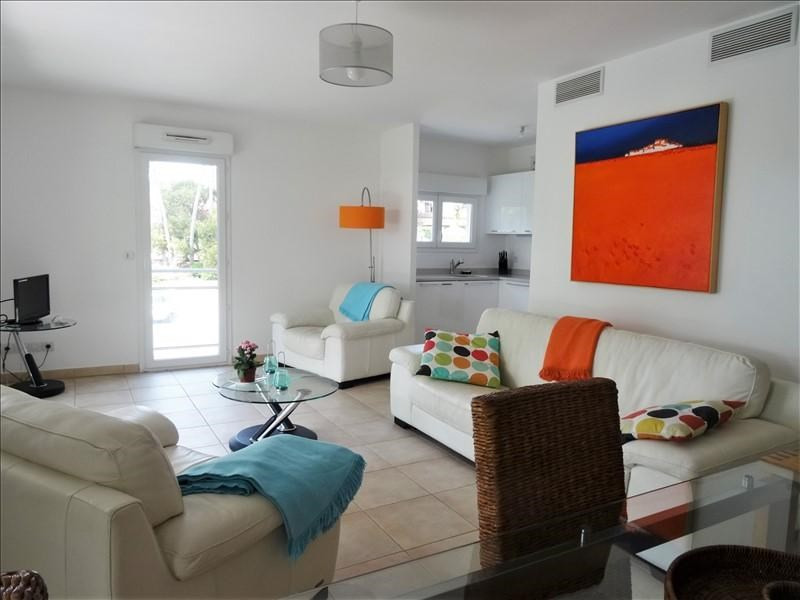 Sale apartment St raphael 429000€ - Picture 2