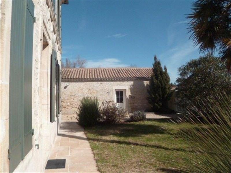 Vente de prestige maison / villa Le chateau d oleron 573000€ - Photo 2