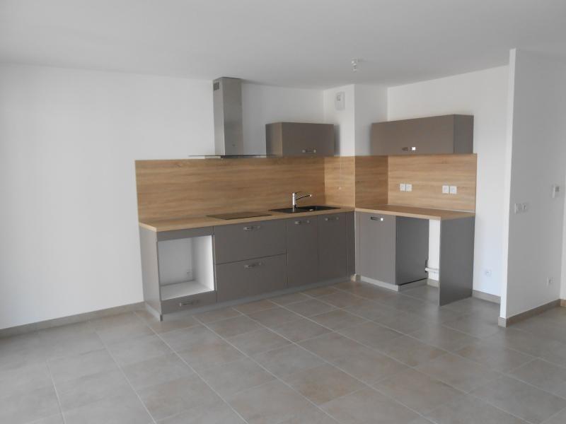 Location appartement Bron 780€ CC - Photo 3