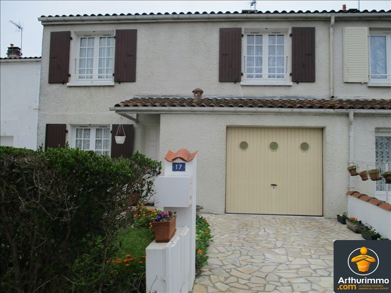 Sale house / villa St jean d angely 137000€ - Picture 1