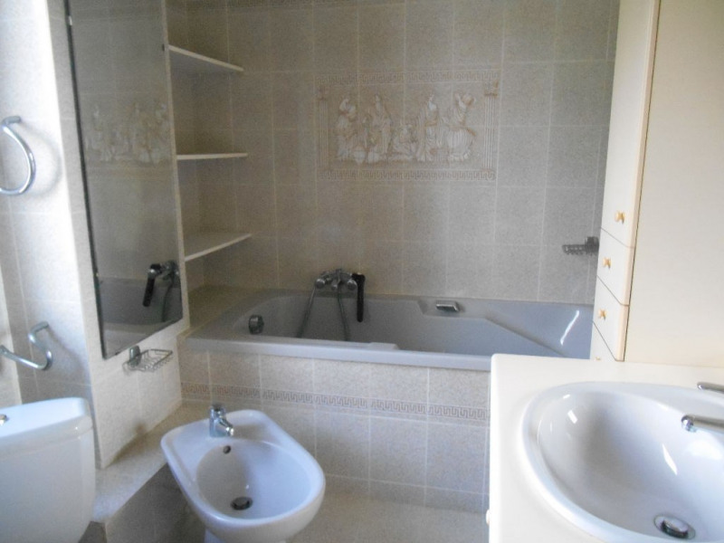 Sale house / villa Leognan 349 500€ - Picture 4