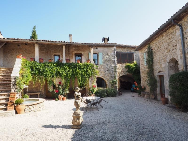 Deluxe sale house / villa Uzes 897 750€ - Picture 2