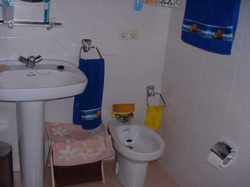 Vacation rental apartment Roses - centre 552€ - Picture 7