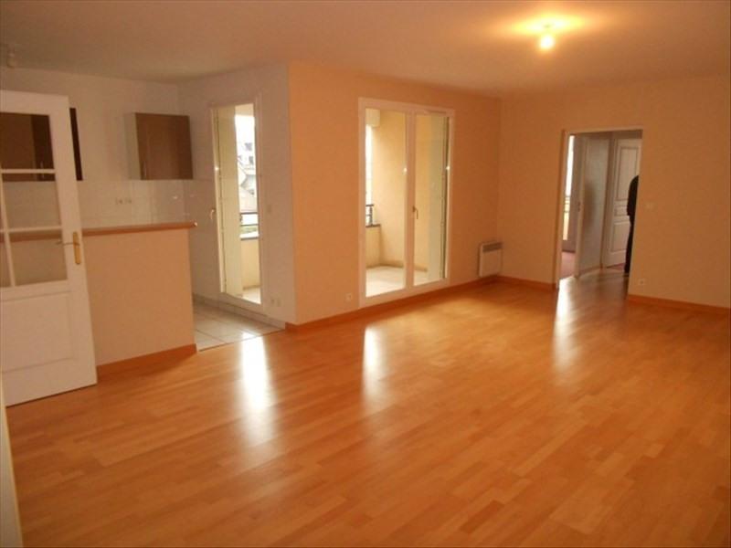 Rental apartment Vendome 620€ CC - Picture 1