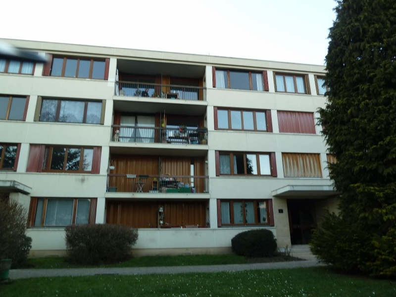 Rental apartment Andresy 937€ CC - Picture 1