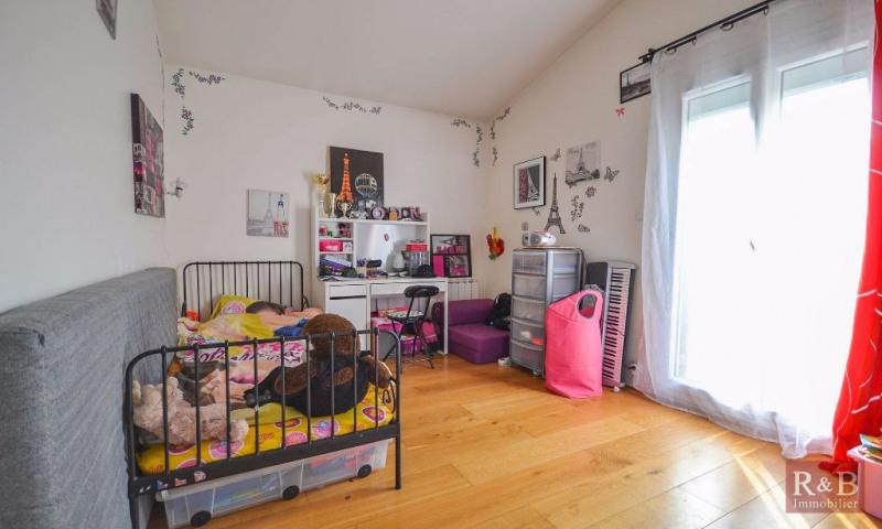 Sale house / villa Les clayes sous bois 360000€ - Picture 7