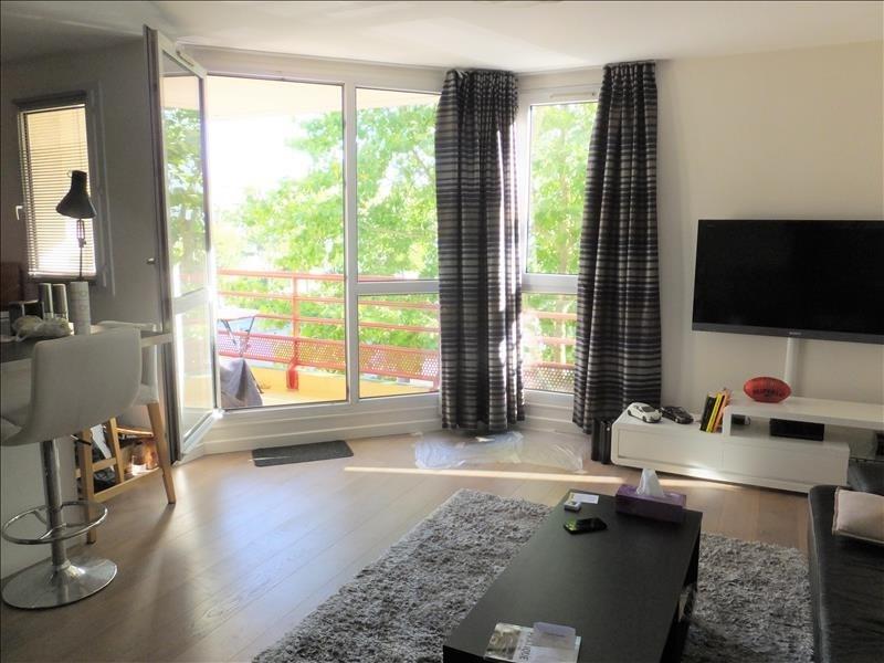Sale apartment Montigny le bretonneux 241500€ - Picture 1