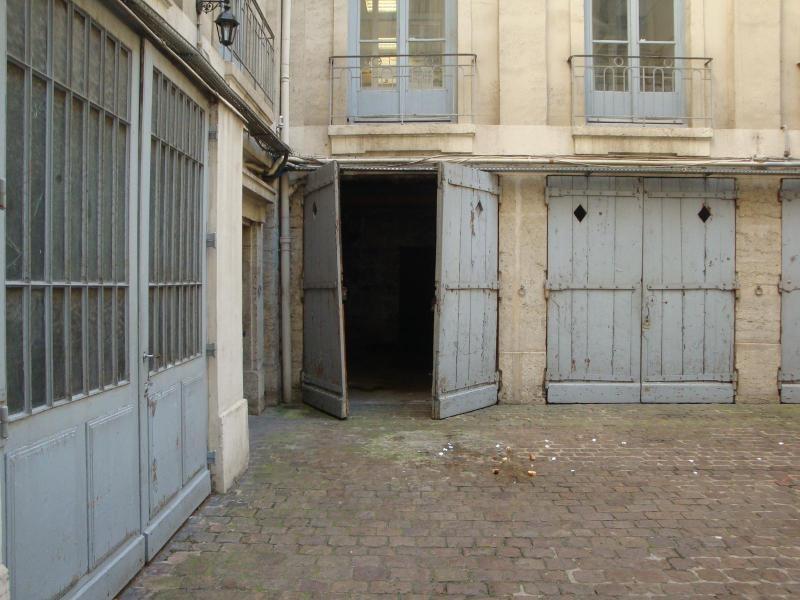 Location parking Lyon 2ème 170€ CC - Photo 1