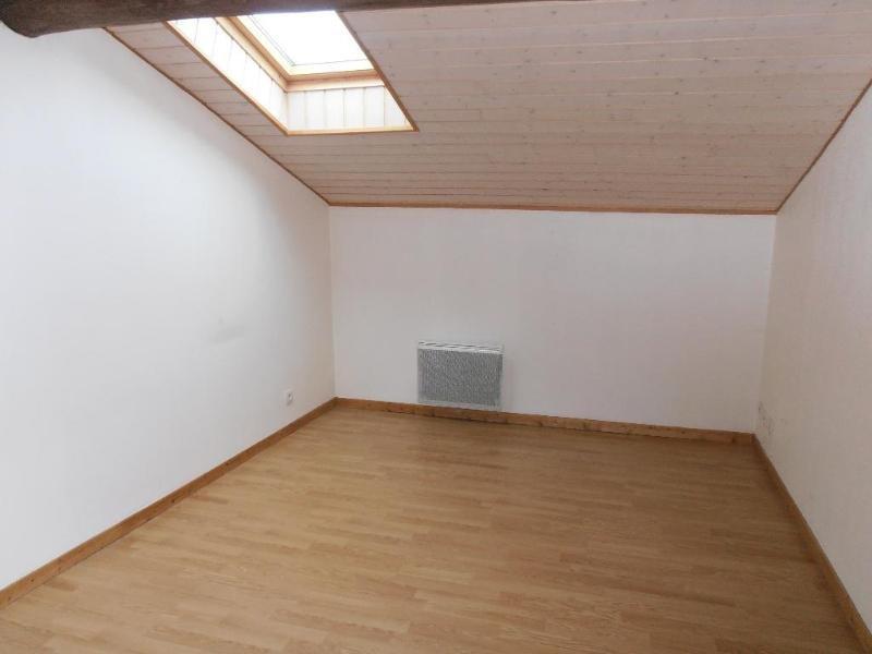 Location appartement Heyriat 390€ CC - Photo 2