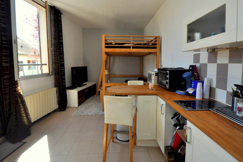 Sale apartment St cheron 89 000€ - Picture 1