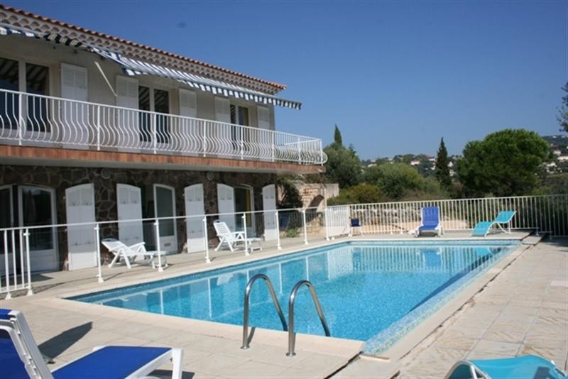 Vacation rental house / villa Les issambres 2 750€ - Picture 1