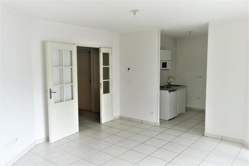 Location appartement Grenoble 737€ CC - Photo 1