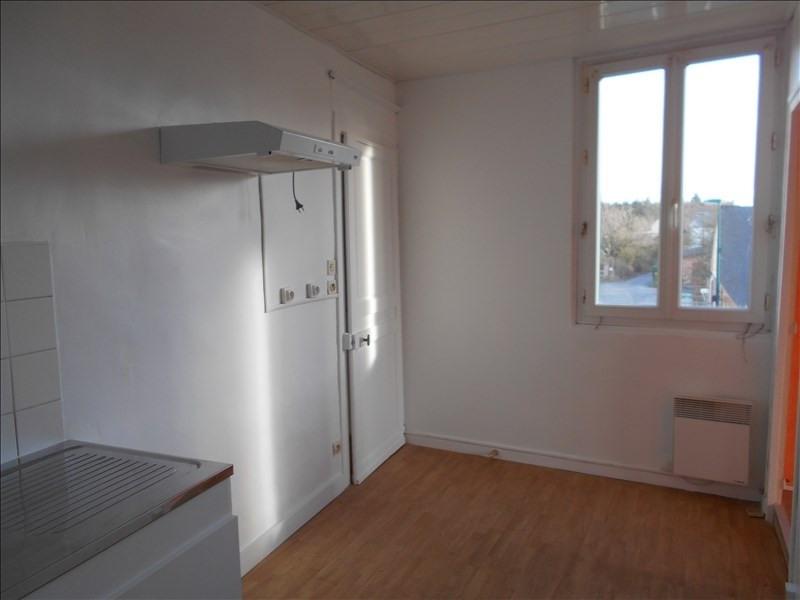 Location appartement Yebleron 395€ CC - Photo 2