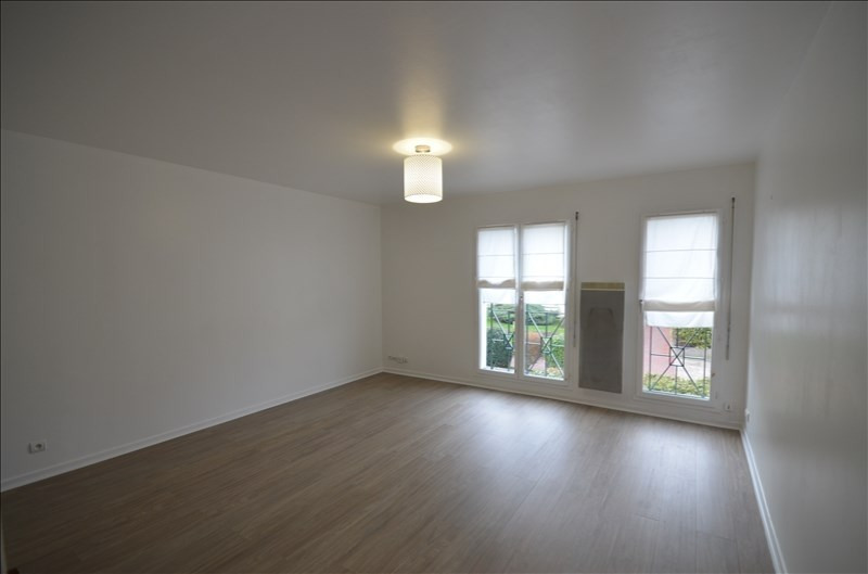 Location appartement Croissy sur seine 723€ CC - Photo 2