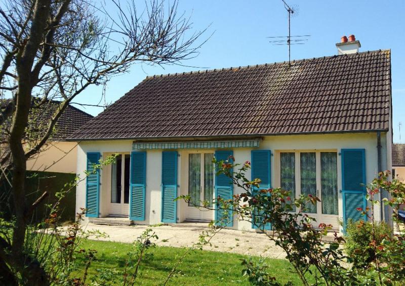 Sale house / villa Laval 117800€ - Picture 1