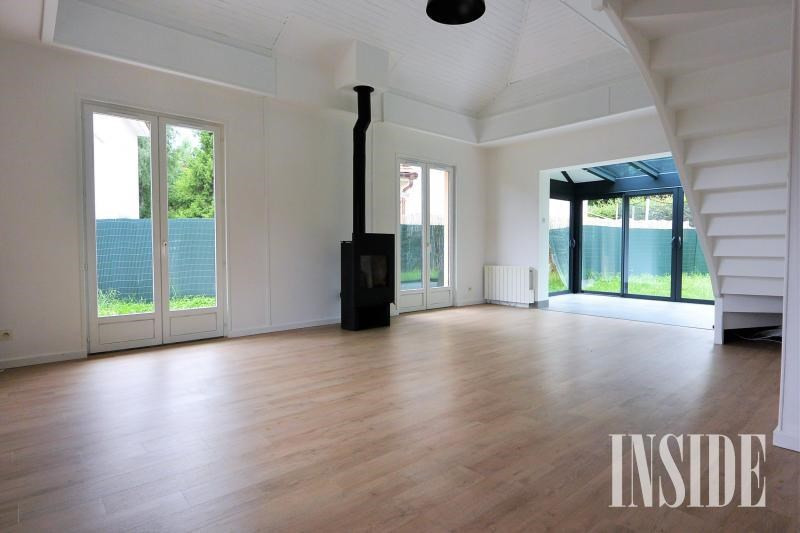 Rental house / villa Echenevex 2250€ +CH - Picture 1