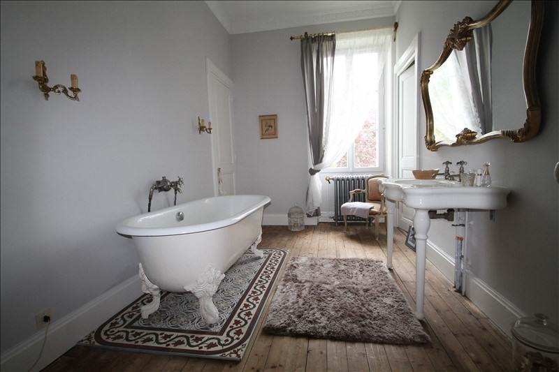 Deluxe sale house / villa Belley 703000€ - Picture 6