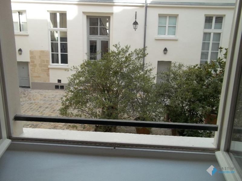 Location appartement Paris 3ème 1782€ CC - Photo 2