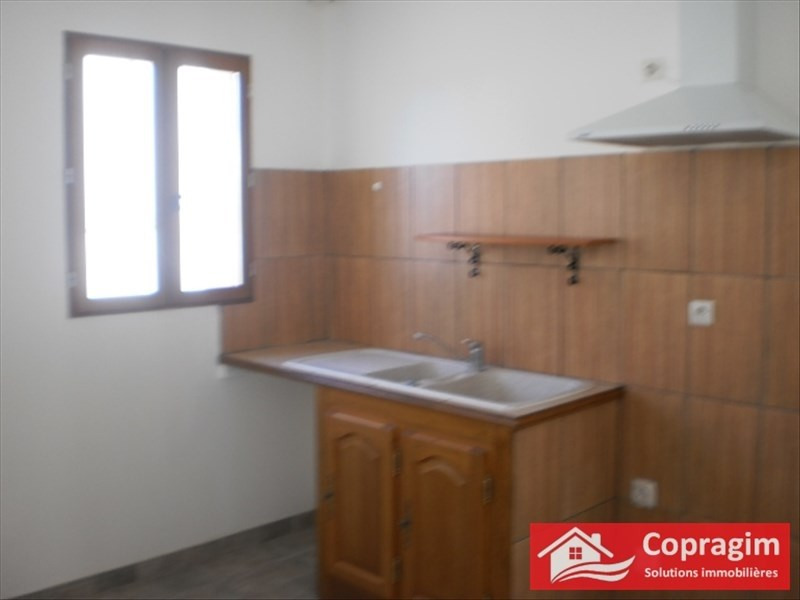 Rental house / villa Sergines 630€ CC - Picture 3