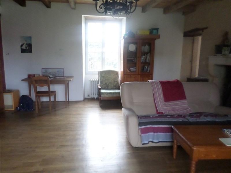 Location maison / villa Gencay 860€ CC - Photo 7