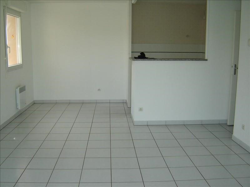 Sale apartment St jean d angely 86400€ - Picture 3