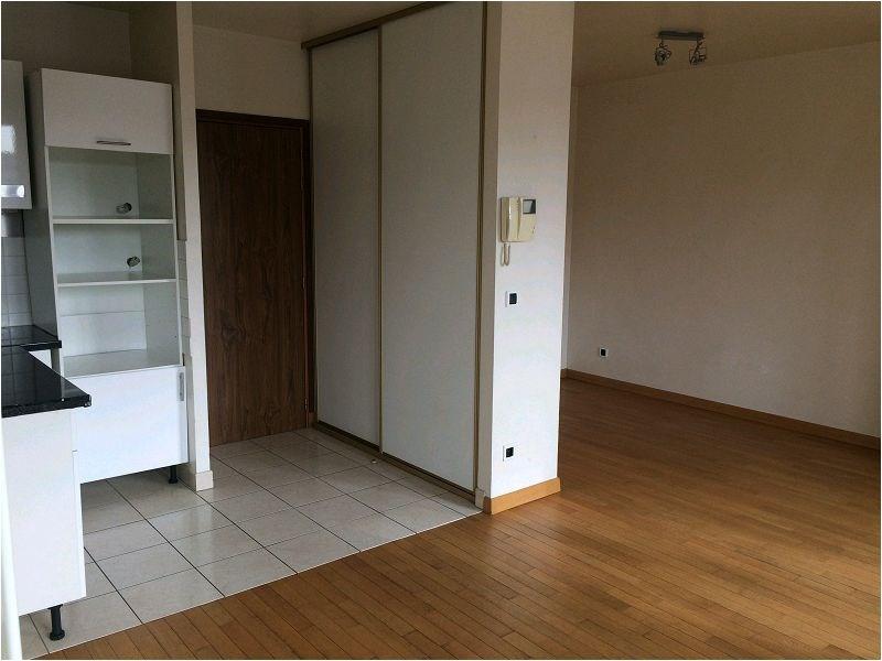 Location appartement Crosne 765€ CC - Photo 1