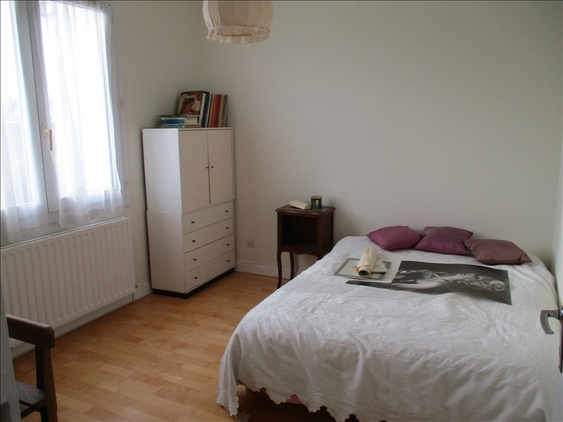 Sale house / villa St jean d angely 155150€ - Picture 4