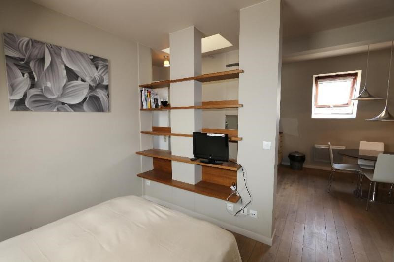 Location appartement Paris 7ème 1 190€ CC - Photo 7