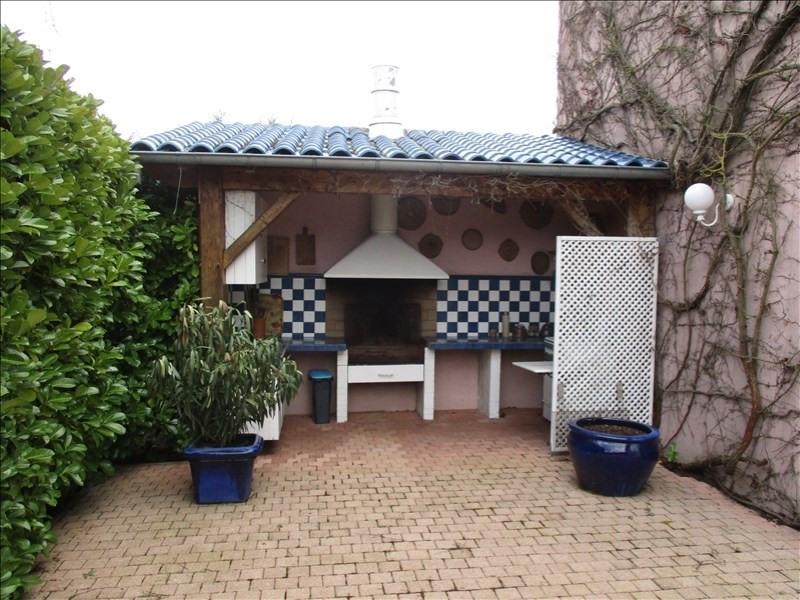 Vente maison / villa Roanne 440000€ - Photo 6