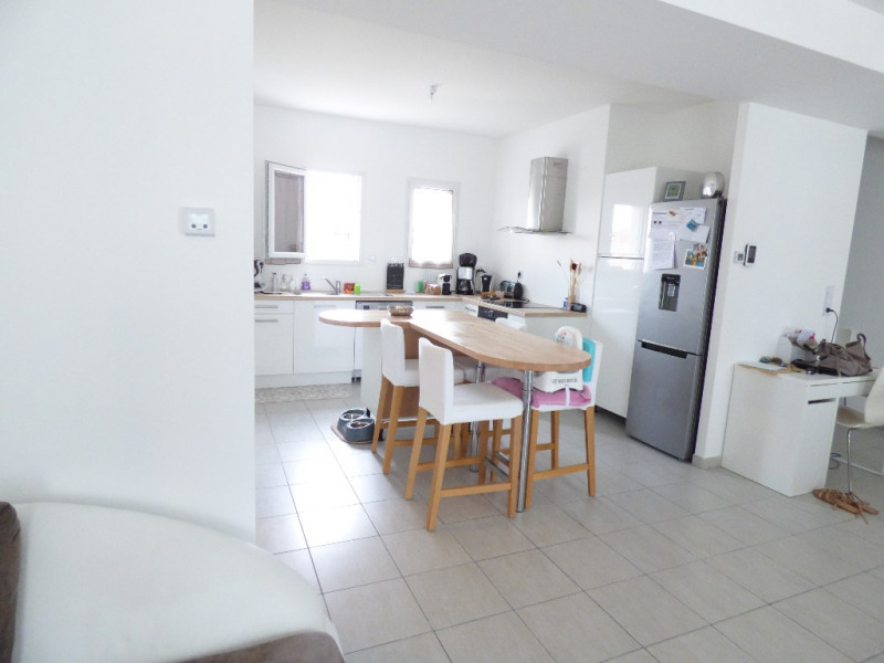 Rental house / villa Izon 1062€ CC - Picture 3