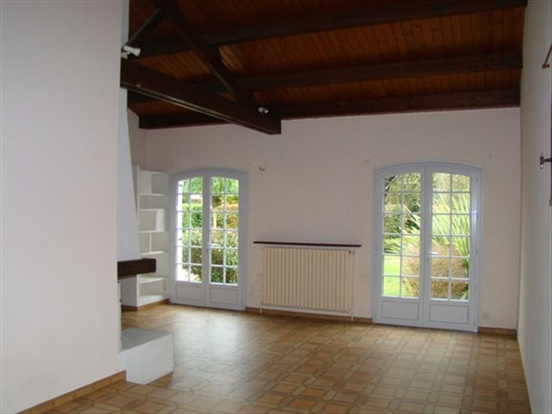 Rental house / villa Le poire sur vie 730€ CC - Picture 5