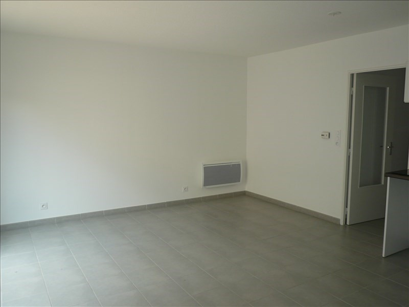 Location appartement La seyne sur mer 746€ CC - Photo 3