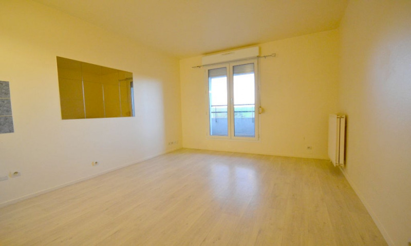 Rental apartment Plaisir 500€ CC - Picture 2