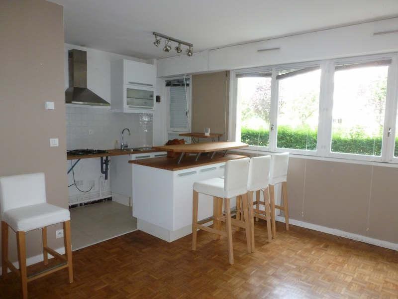 Rental apartment Maurepas 640€ CC - Picture 1
