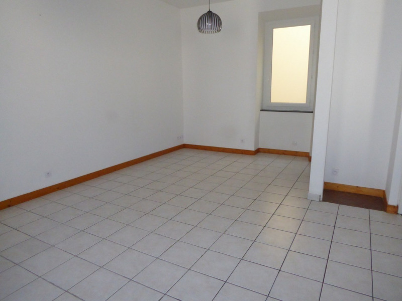 Location appartement Aubenas 580€ CC - Photo 3