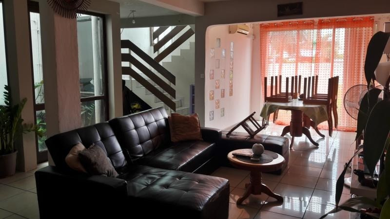 Sale house / villa Le port 185000€ - Picture 2