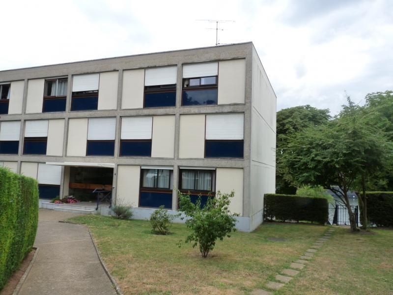 Rental apartment Triel sur seine 1170€ CC - Picture 1