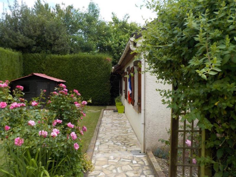 Sale house / villa Chevru 222000€ - Picture 2