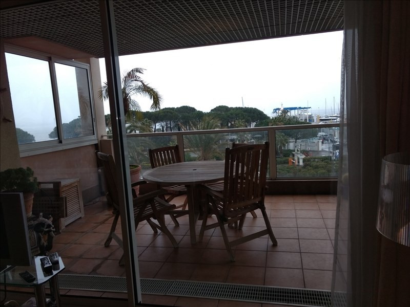 Revenda residencial de prestígio apartamento Le golfe juan 495000€ - Fotografia 5