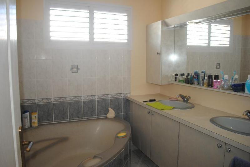 Sale house / villa Sainte luce 409500€ - Picture 7