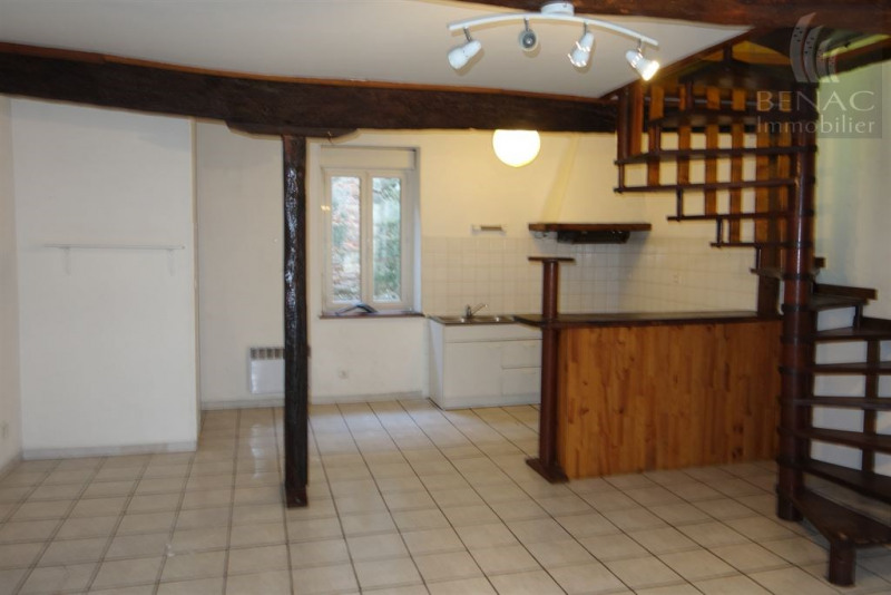 Location appartement Realmont 520€ CC - Photo 1
