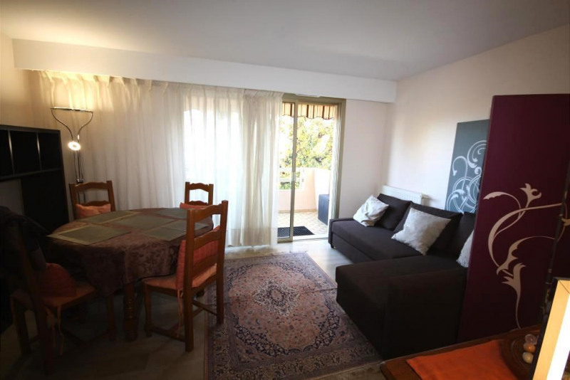 Rental apartment Antibes 960€ CC - Picture 2