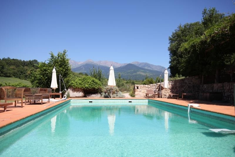 Deluxe sale house / villa St laurent de cerdans 990000€ - Picture 1