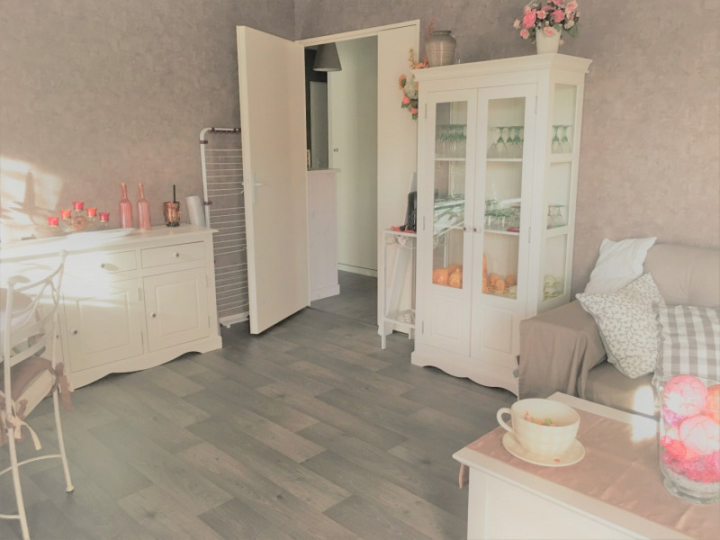 Location appartement Beauchamp 787€ CC - Photo 2