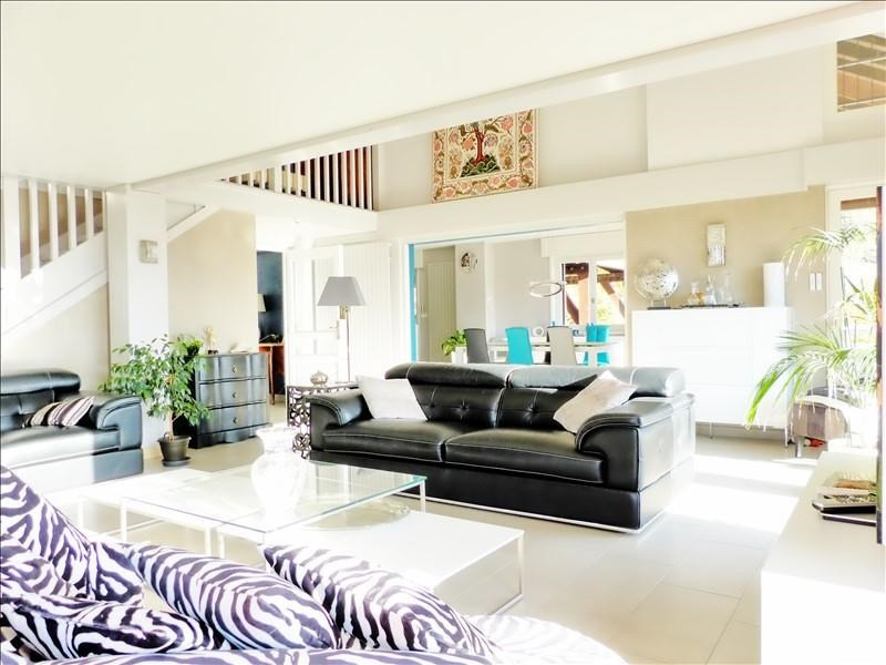 Deluxe sale house / villa Marignier 780000€ - Picture 1