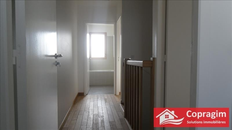 Location maison / villa Montereau fault yonne 877€ CC - Photo 2