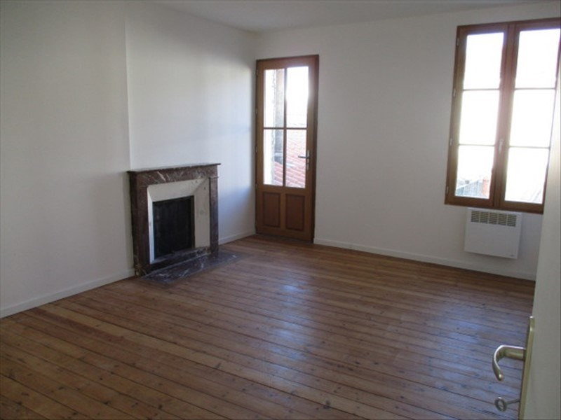 Rental apartment St jean d angely 480€ CC - Picture 4