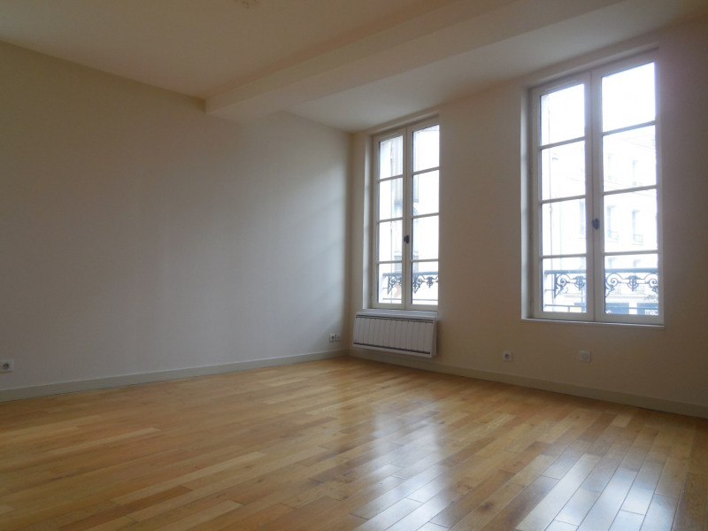 Rental apartment Melun 800€ CC - Picture 1