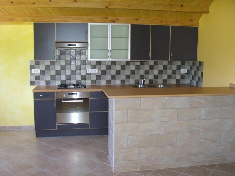 Rental apartment Vieu d izenave 618€ CC - Picture 1