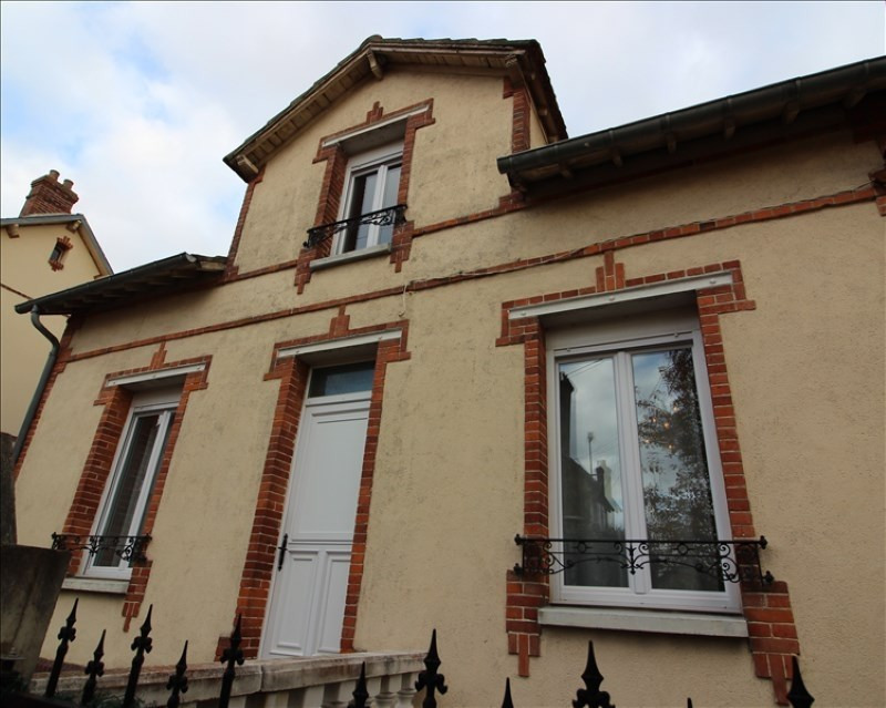 Sale house / villa Chartres 317 500€ - Picture 1